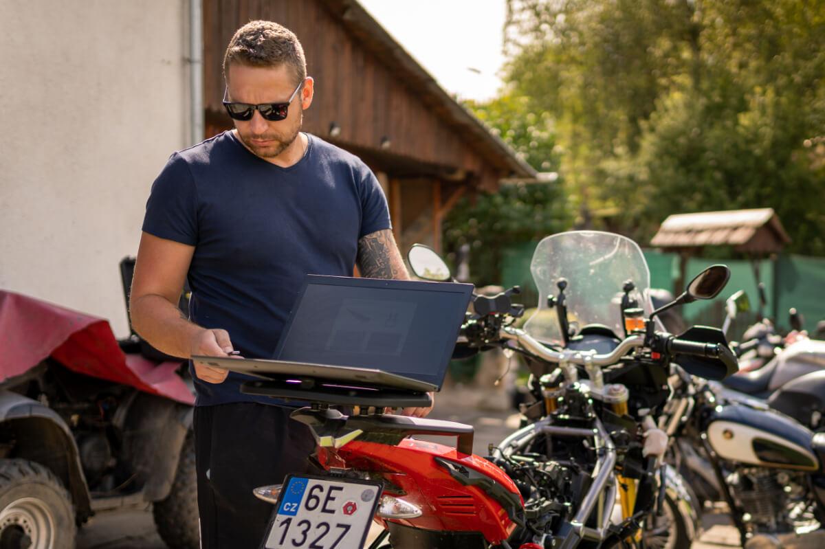 tomas kominek motorky kralov pc